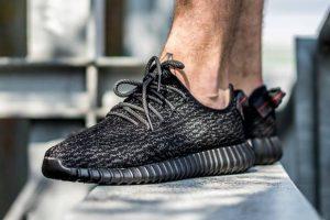 adidas-yeezy-350-boost-black-release-reminder