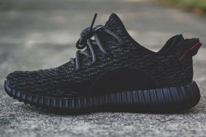 adidas-yeezy-boost-350-pirate-black