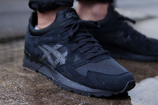 asics-gel-lyte-v-goes-all-black
