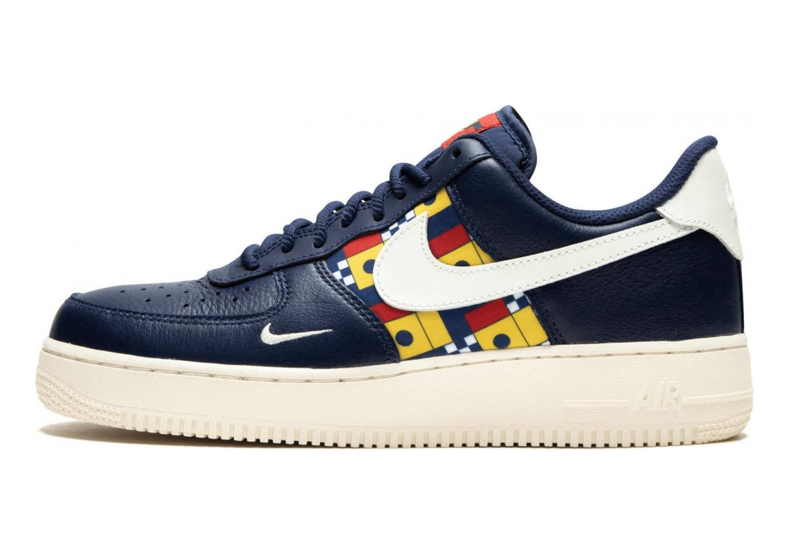 Nike Air Force 1 07 LV8  Navy