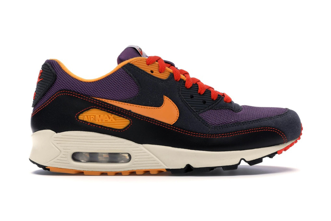 Nike Air Max 90 Powerwall