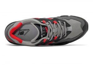 New Balance 850 Black/Team Red