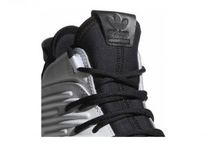 Footwear White / Core Black-red (AQ0320)