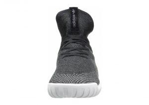 Schwarz Core Black Dark Grey Ch Solid Grey (BB2379)