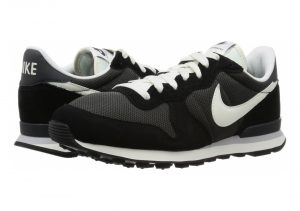 Nike Internationalist -